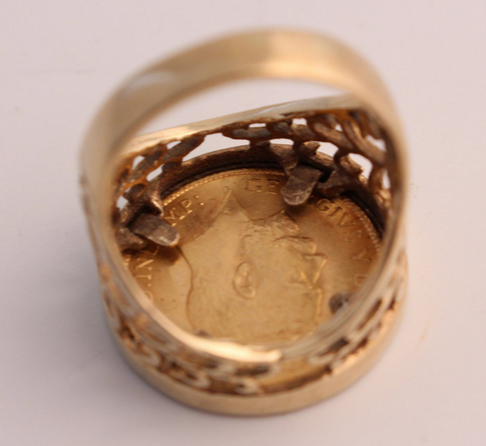 1911 George V 22ct Gold Half Sovereign In 9ct Gold Ring